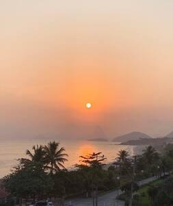 """Loft ,em frente a praia de Camboinhas,FRENTE MAR """""""
