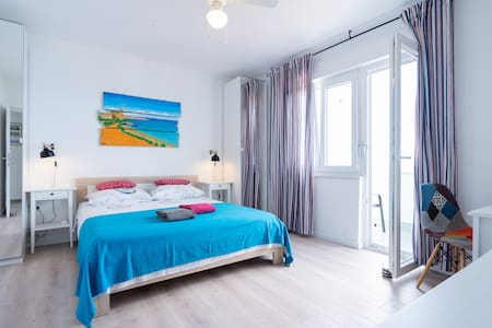 Lovely apartment by the sea - Galun