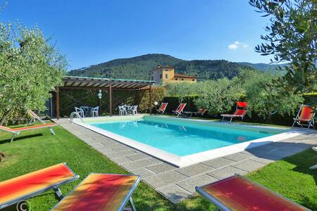 Walking distance to restaurant & village Pool WIFI - Capannori