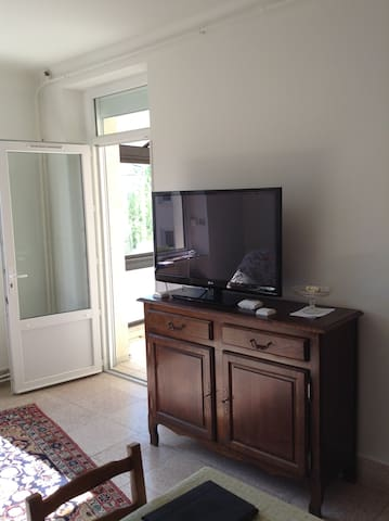 Beautiful spacious apartment on the - Millau - Appartement