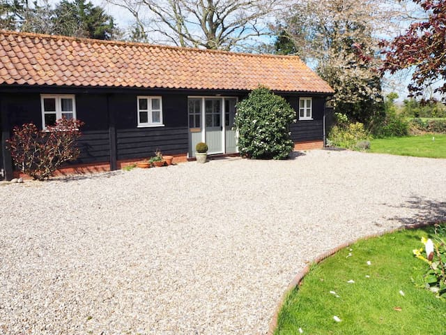Shelduck Cottage, Thursford, North Norfolk