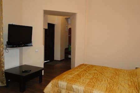 Квартира на Дорошенка - Lägenhet