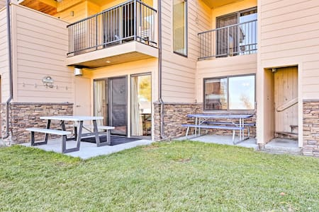Cozy Condo on Bear Lake w/Patio & View to the Lake