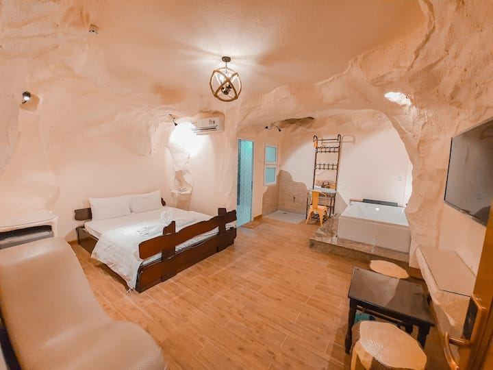 ✾CAVE Room - Wonder hotel  in Binh Chanh, HCMC✾