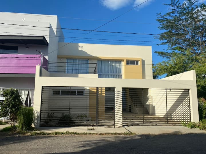 Modern-style Managua Airport Studio Apartment