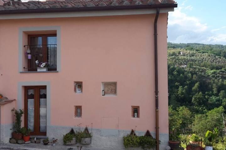 Casetta in campagna a Pistoia