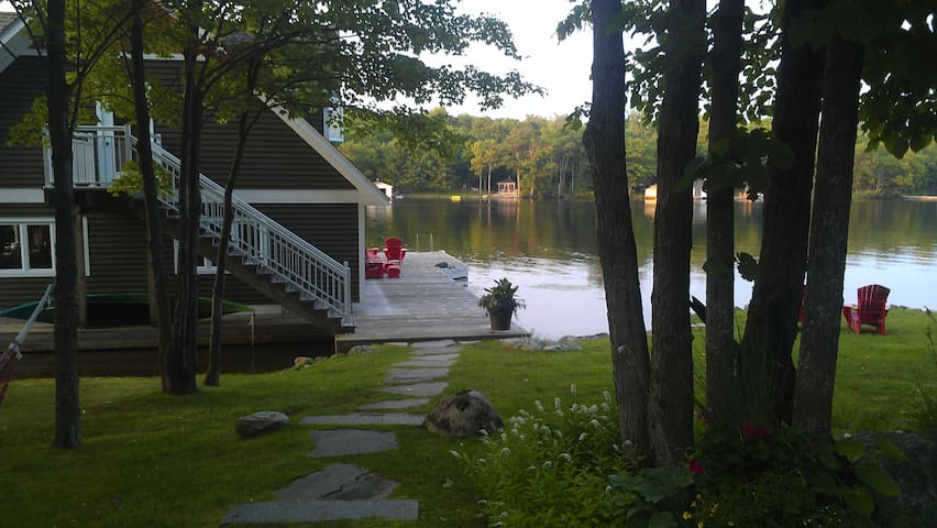 The Boathouse on Sunset Bay Muskoka