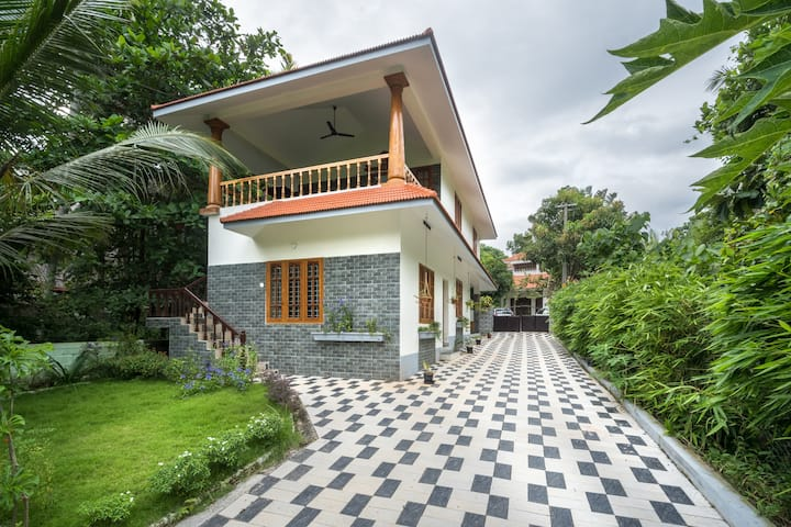 KOVALAM Homestay, 2BHK house near beach