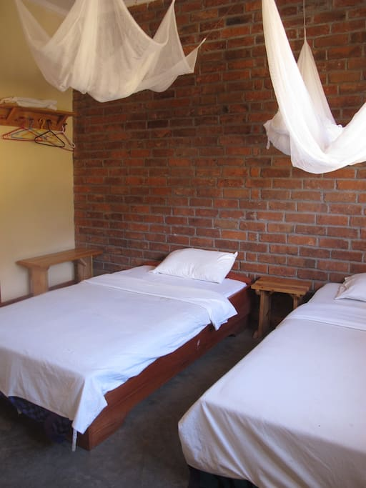 Private room (two single beds)