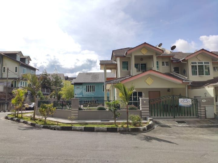 Azzalea Homes 3 @ Taman Royal Lily
