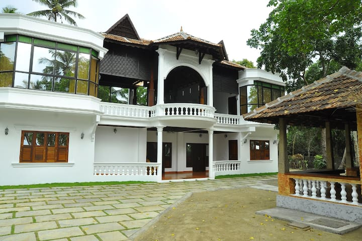 Palm Beach Villa Cherai Beach - Kuzhuppilly