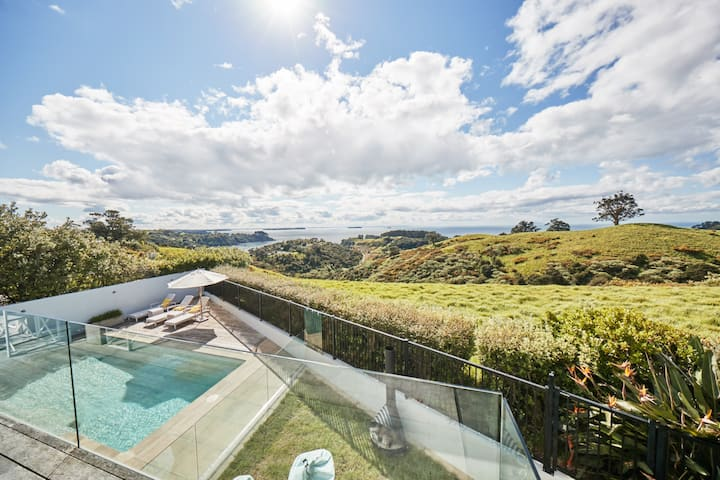 Our Waiheke Island Paradise  with heated Pool