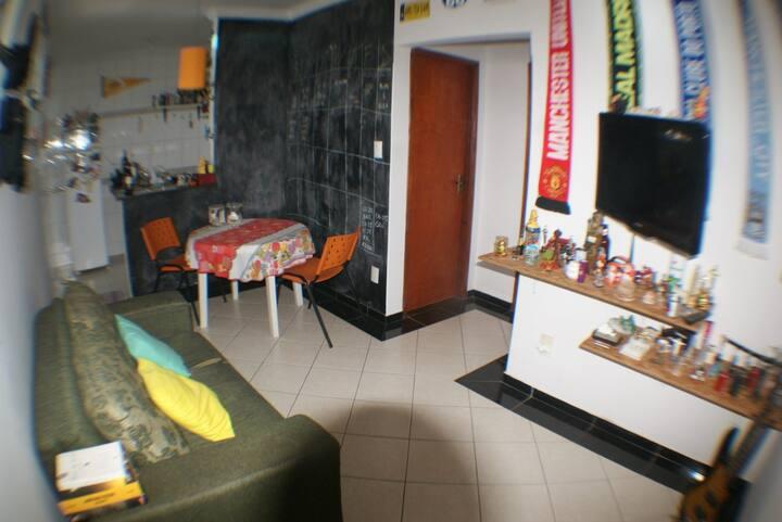 Apartamento 4 leitos no Sta Mônica próximo a UFU
