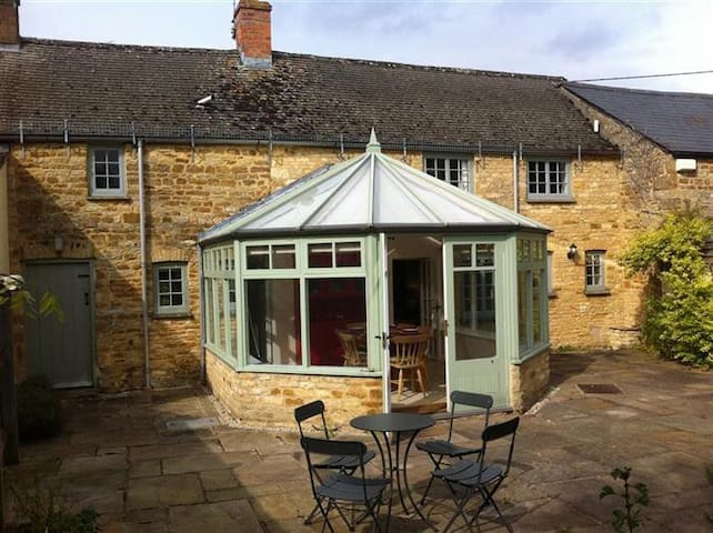 West End Cottage, Kingham village in Cotswolds - Kingham - Casa