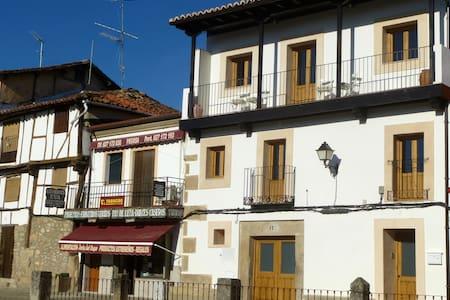 Apartments Entre Fuentes 1-6 persons - Cuacos de Yuste