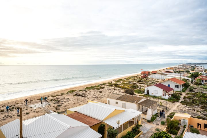 NEW! Benya Apt, Faro Beach, steps from Sea!