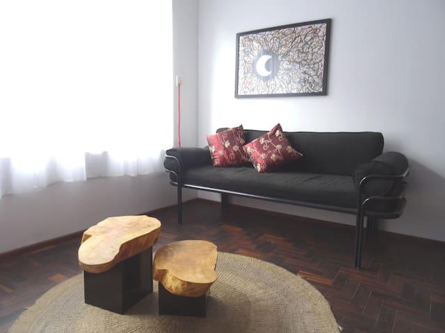 Espaço luminoso, centro de Curitiba - Curitiba - Lägenhet