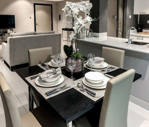 Luxury Meydan the Galleries Dubai