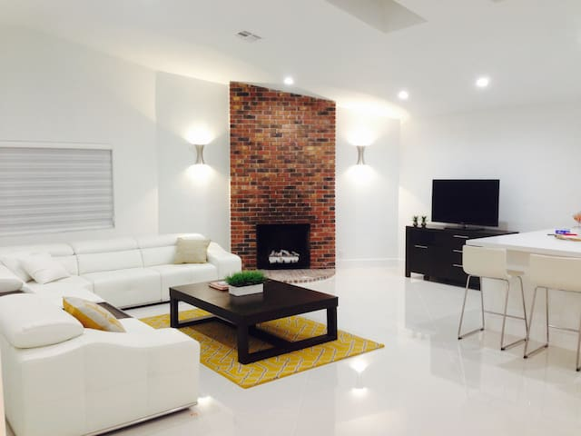 Beautiful Private Room in Quiet Central Boca House - Boca Raton - Ház