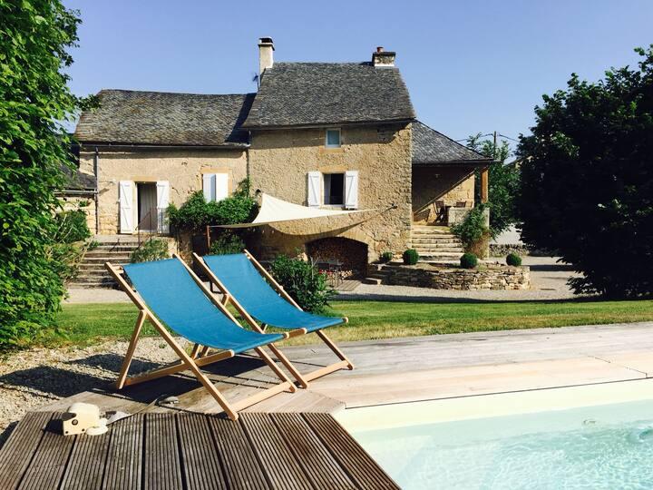 Cocon de charme en Aveyron avec piscine privée