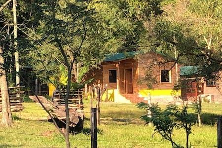 Casa rústica en plena naturaleza. Hasta 6 personas