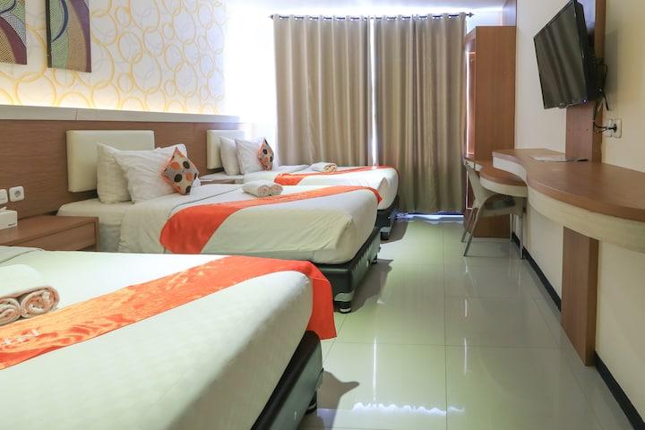 Family Triple Tab Hotel Surabaya