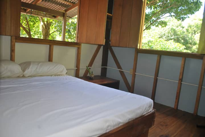 Private room, 3min walk to the beach - Casa Yogi