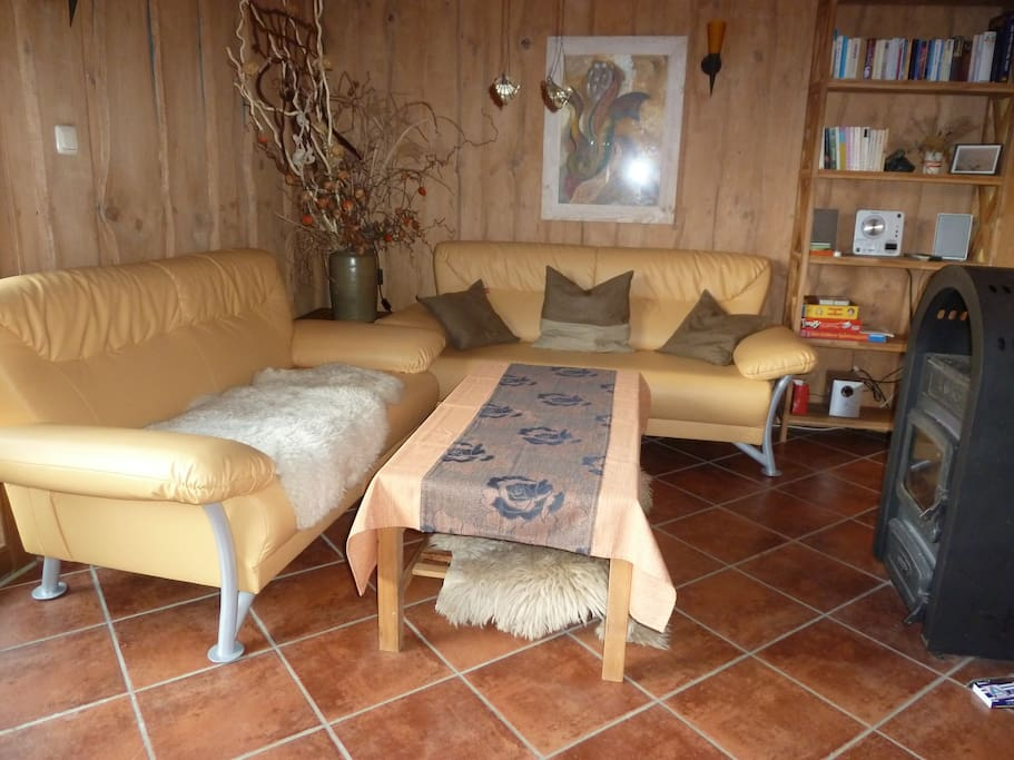 ferienhaus mit kamin und morgensonne bungalows for rent. Black Bedroom Furniture Sets. Home Design Ideas