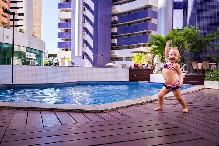 Condomínio ideal para as crianças. Pé na areia !