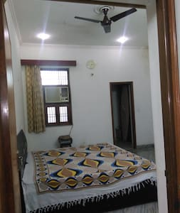 Bedroom for single or couple - Agra - Bed & Breakfast