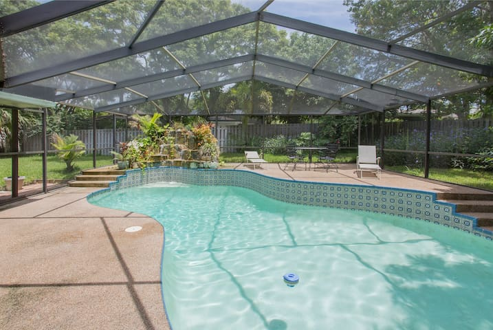Heated Pool, Tennis, Beaches, Golf - Palm Harbor - Haus
