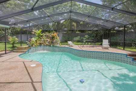 Heated Pool, Tennis, Beaches, Golf - Palm Harbor - Maison