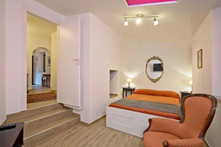 Apartment with Balcony at Campo de' Fiori