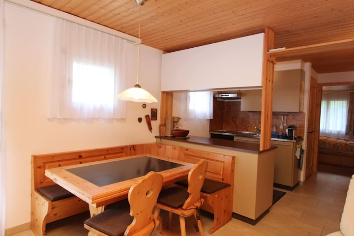 Cozy Kitchen and eating area