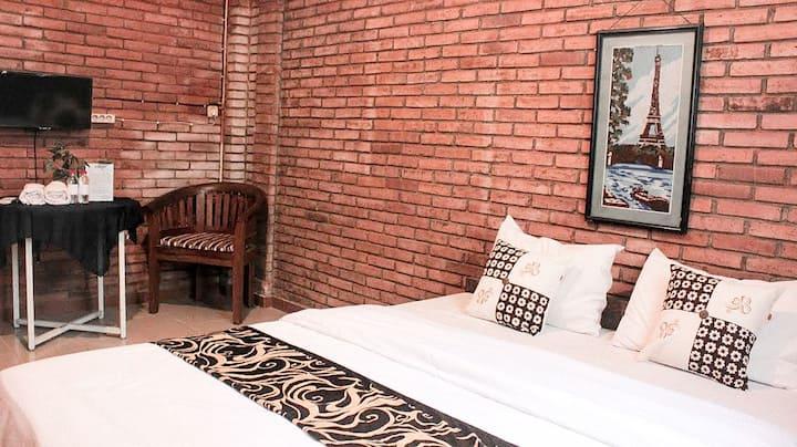 Deluxe Room #3 @ nDalem Joglo Krawitan Homestay