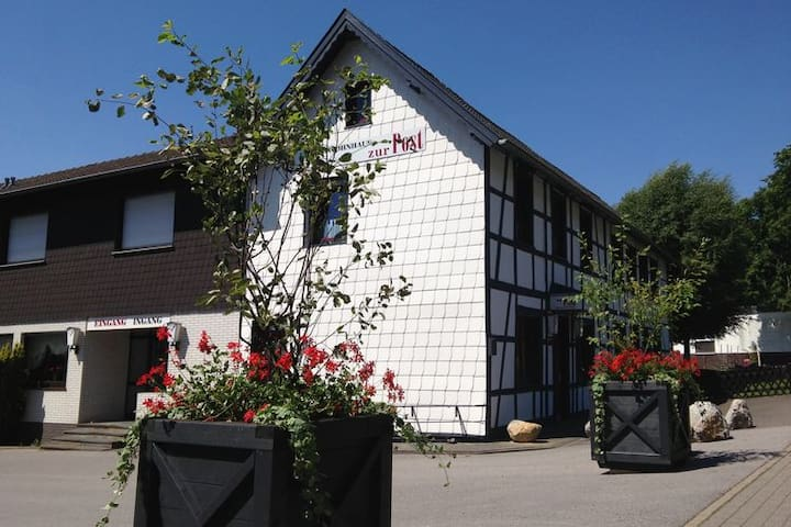 Very luxury group holiday home for 32 Persons - Monschau - Talo