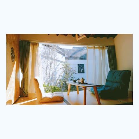 [叙姑苏-小房子]苏式庭院,粉墙黛瓦,近景点和地铁站,停车便利,包早餐