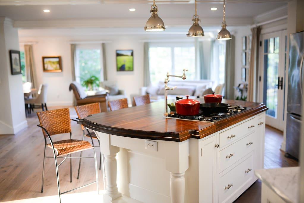 Open Kitchen - Living Room