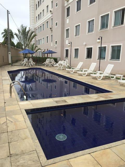 Venha desfrutar de um encantador apartamento completo para suas férias!