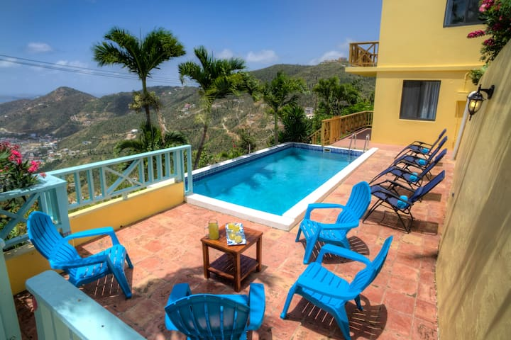 stunning views, 4 bed, 3 bath,  pool, bdrm AC,