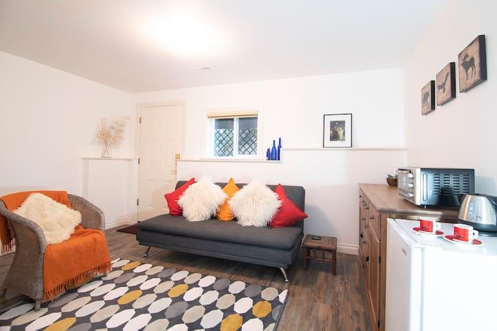 Garden Suite with Sauna, Roberts Creek