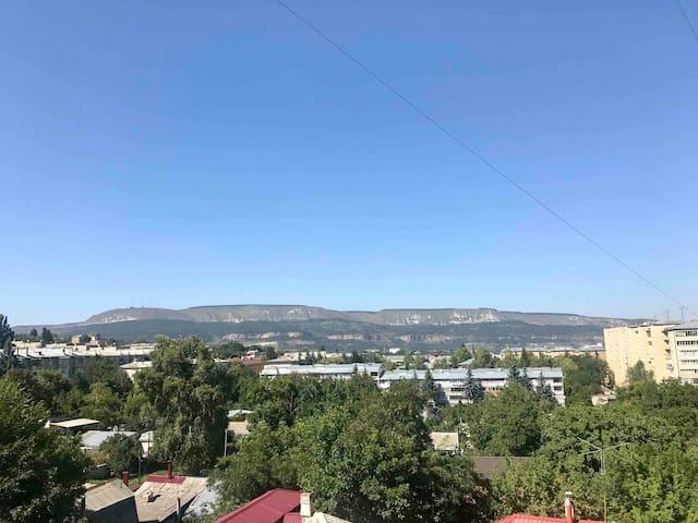 Уютная квартира с потрясающим видом на горы