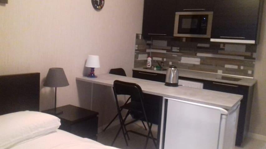 Небольшая уютная студия на 23 этаже