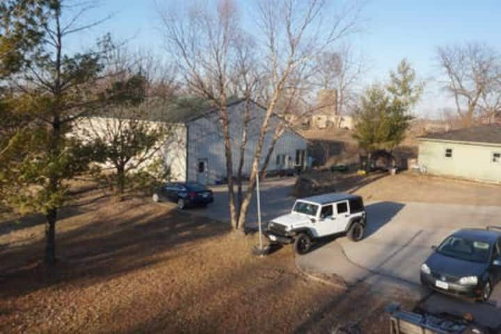 2 BR 1,700 Sq Ft Suite with Pool & Gym On Acreage