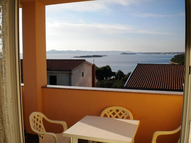 Studio Apt for 2+1 - SEA VIEW - Zadar, Drage - Apartamento
