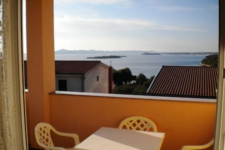 Studio Apt for 2+1 - SEA VIEW - Zadar, Drage