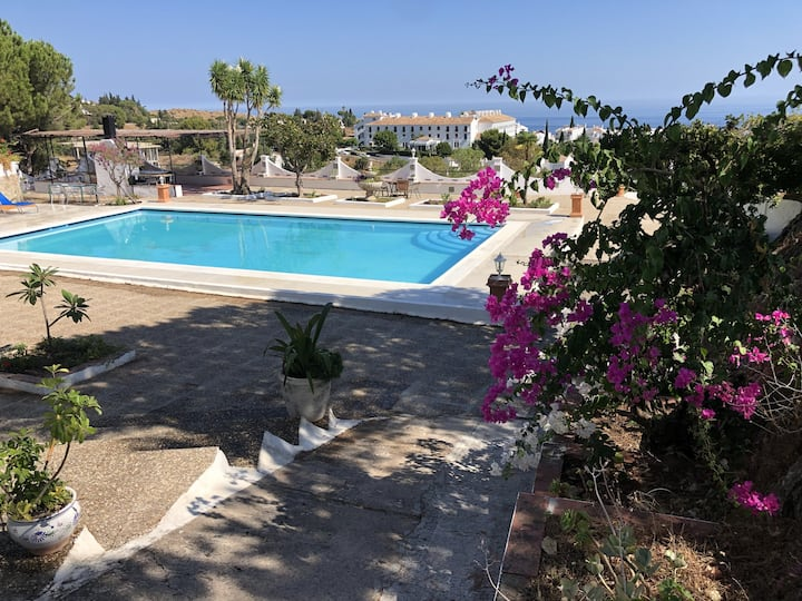 Villa with 4 bedrooms in Mijas, with wonderful sea view, private pool, furnished garden - 6 km from the beach