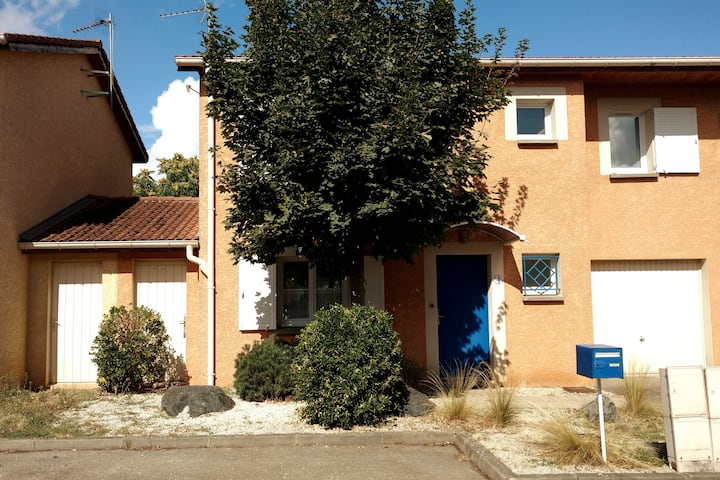 Meyzieu: Cozy house on the outskirts of Lyon