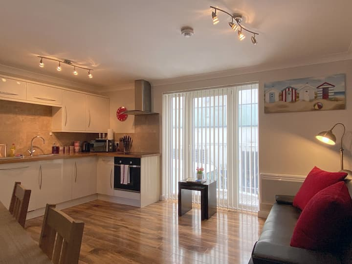 Apartment on the Beach!  Sleeps 3 - with parking