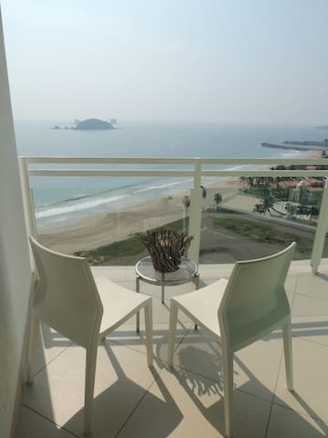 Condominio de Lujo en Playa - Zihuatanejo - Apartment
